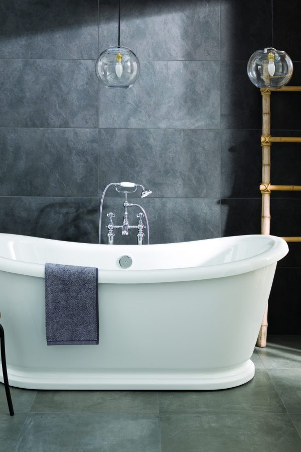 Alexander Traditional Style White Freestanding Bath