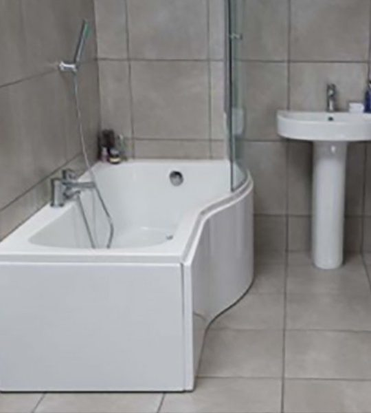 Compact Shower Bath  Compact Curved Glass Screen